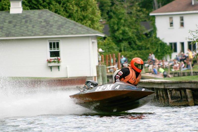 TOMORC Outboard Marathon 52M
